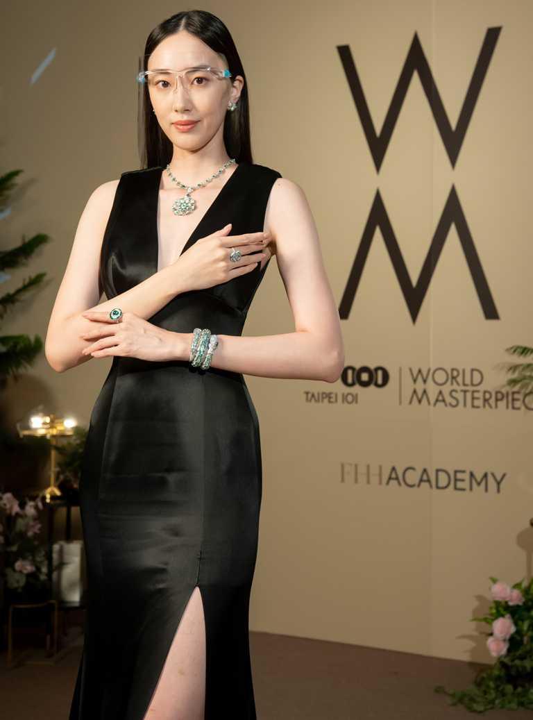 名模張敏紅,佩戴BVLGARI高級珠寶與「Serpenti」系列頂級神秘珠寶錶。(圖╱台北101提供)