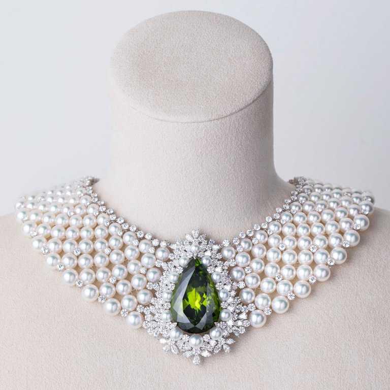 MIKIMOTO頂級珠寶系列,貴橄欖石珍珠頸鍊╱14,500,000元。(圖╱台北101提供)
