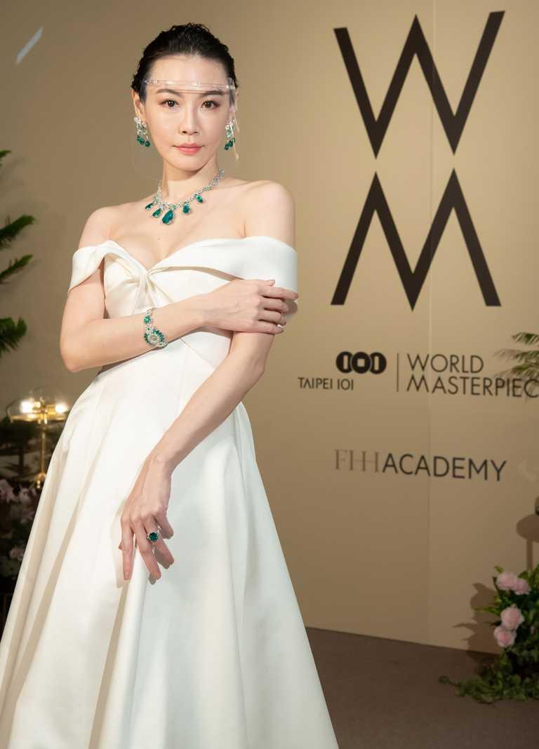 名模李彬,優雅演繹Chopard「Red Carpet紅地毯」系列頂級珠寶腕錶、以及同系列全球僅發行1件的尊貴項鍊。(圖╱台北101提供)