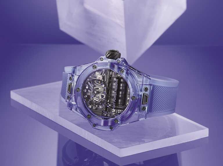 HUBLOT「Big Bang」系列,MP-11藍色藍寶石水晶腕錶╱4,088,000元。(圖╱台北101提供)