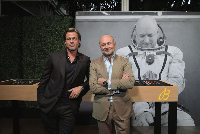 百年靈全球品牌大使布萊德彼特(左)與全球總裁Georges Kern。