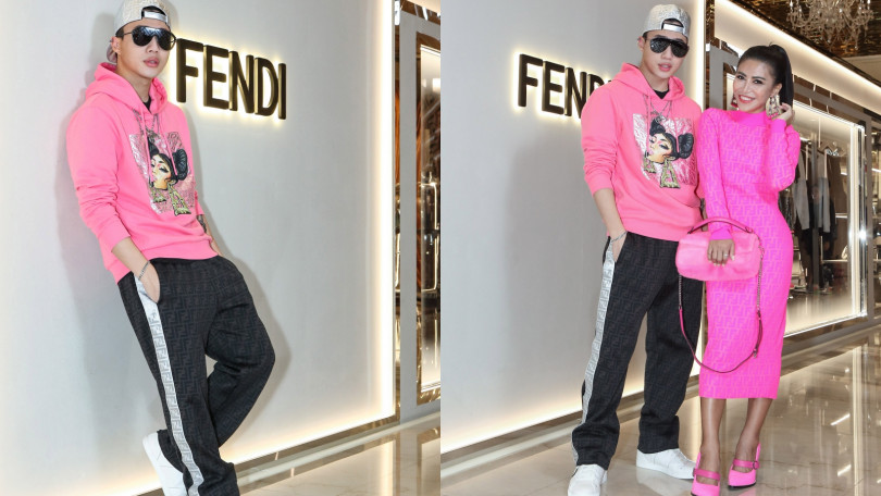 OZI身穿FENDI Prints On粉色帽T/24,500元、黑色長褲/43,500元、F is FENDI Sneaker/24,500元、FENDI Fabulous太陽眼鏡/16,960元、銀色棒球帽/37,500。(圖/品牌提供)