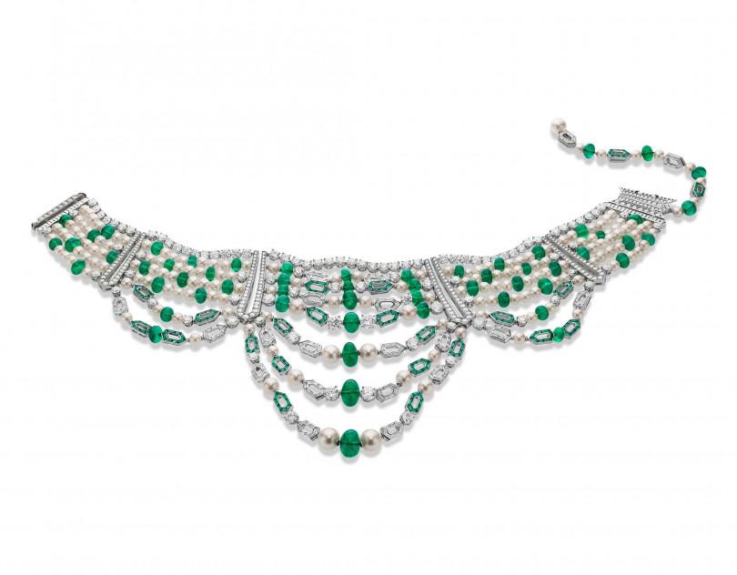 BVLGARI「Jannah」系列頂級珠寶,白金祖母綠與鑽石項鍊。(圖╱BVLGARI提供)