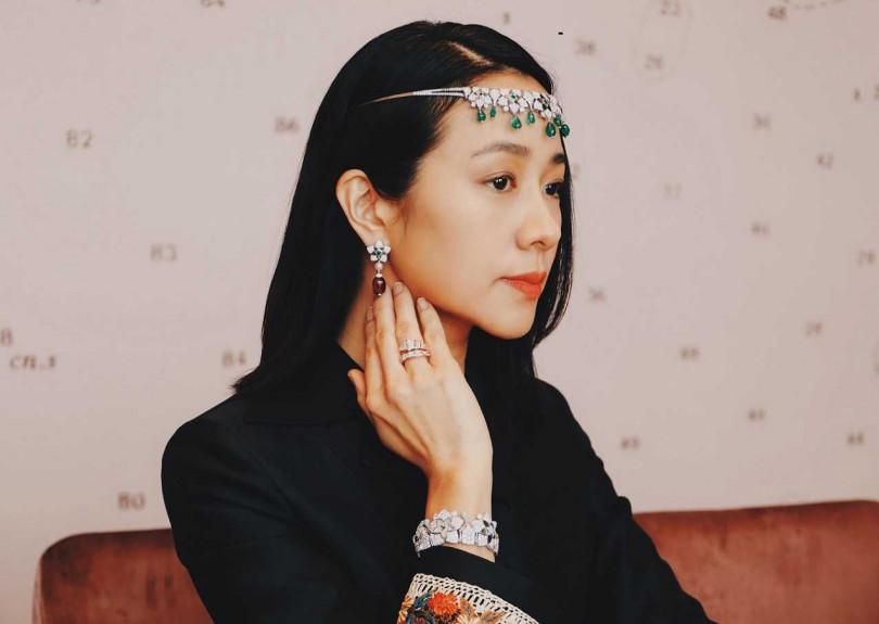林嘉欣搶先配戴BVLGARI「Jannah」系列頂級珠寶,亮相阿布達比頂級珠寶發表會。(圖╱BVLGARI提供)