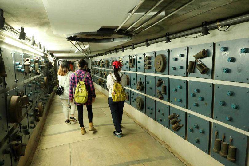 勇士堡的「地雷主題館」展示著各式不同大小、型號的地雷。(圖/于魯光攝)