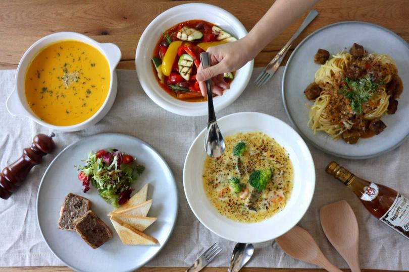 「老爺餐桌」以週週小辦桌、微慶祝的概念,每週免費宅配到府。(圖/老爺酒店集團)