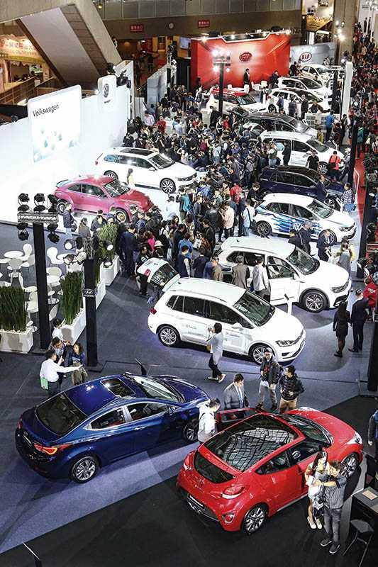 兩年一度的台北「世界新車大展」是車迷朝聖的重要日子。(圖/報系資料庫)