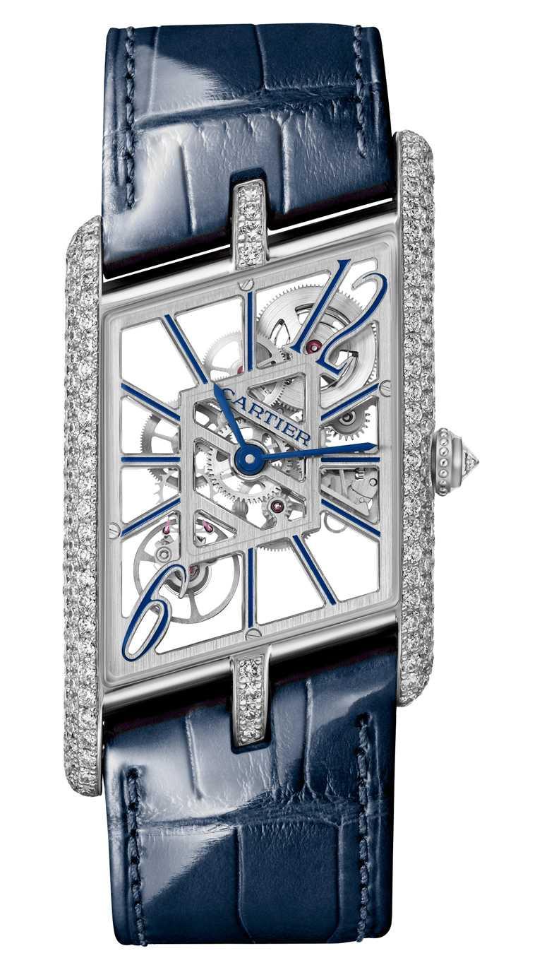 CARTIER「Tank Asymétrique系列」腕錶,鉑金錶殼,錶徑39mm,鑽石250顆,限量100只╱3,030,000元。(圖╱CARTIER提供)