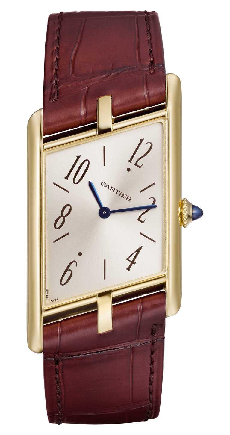 CARTIER「Tank Asymétrique系列」腕錶,18K黃K金錶殼,錶徑47mm,限量100只╱815,000元。(圖╱CARTIER提供)