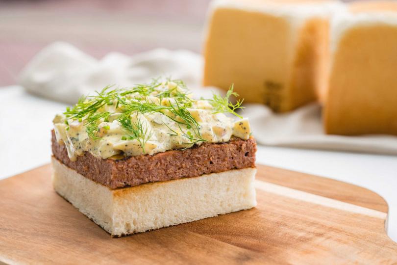 未來肉排吐司,雙起司,松露蛋沙拉。(圖/WILDWOOD提供)