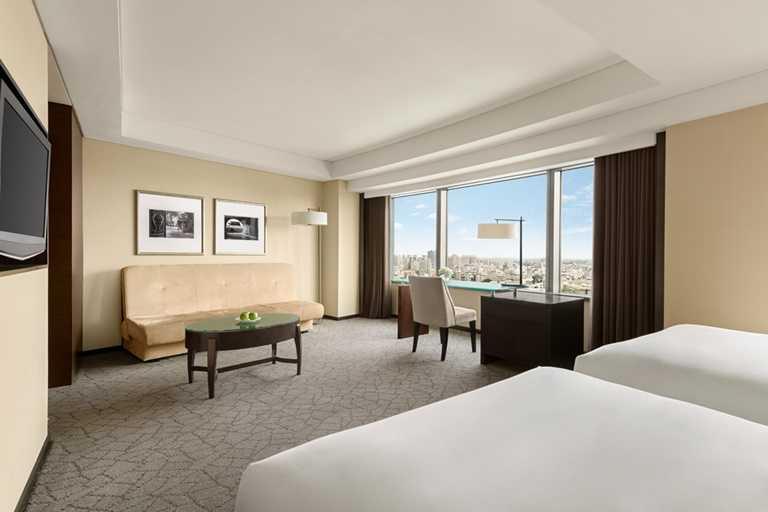 香格里拉台北遠東國際大飯店50週年專案,只要符合四月壽星或任一月份23日生日,即可享85折並獲得3,000元禮券。