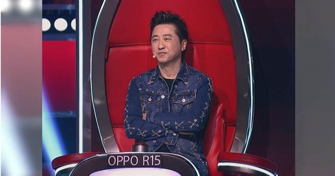 庾澄慶擔任《中國好聲音》導師已久,但每次按下轉椅都讓他很糾結。(圖/中天提供)