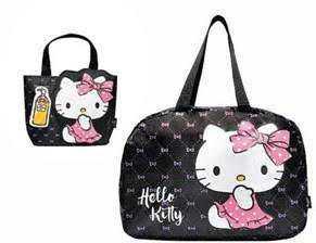 滿$2500,贈(左)「Hello Kitty愛逛街手提袋」,消費折扣後滿$5000,贈(右)「Hello Kitty享購物折疊包」。(圖/品牌提供)