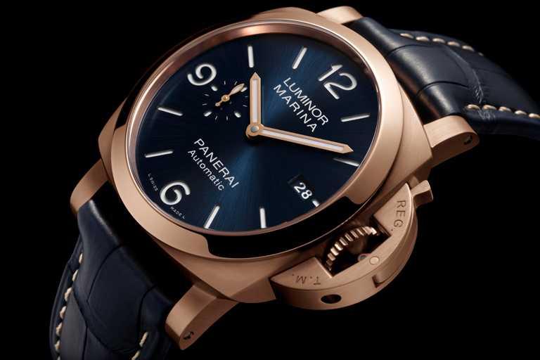 PANERAI「「LUMINOR MARINA GOLDTECH」腕錶,Goldtech材質錶殼,錶徑44mm╱721,000元。(圖╱PANERAI提供)
