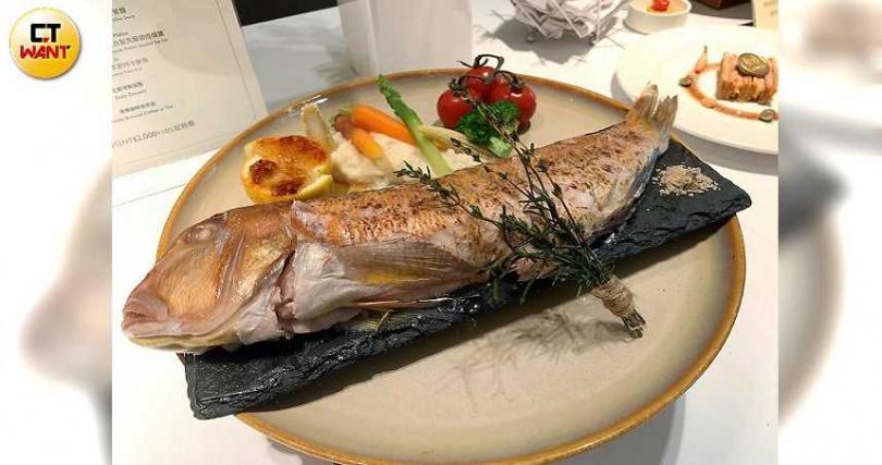 主廚根據季節選擇最新鮮的漁獲料理。 (Chef Ben's極致和牛饗宴)