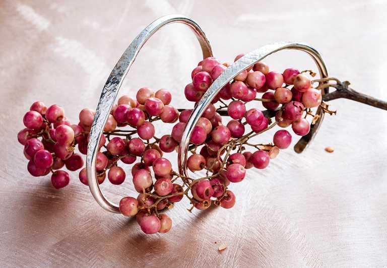 Lijma「錘鍊」銀質手環╱4,280元。(圖╱Lijma提供)
