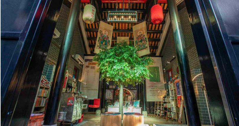 油麻地書院內裡變身自助書店。