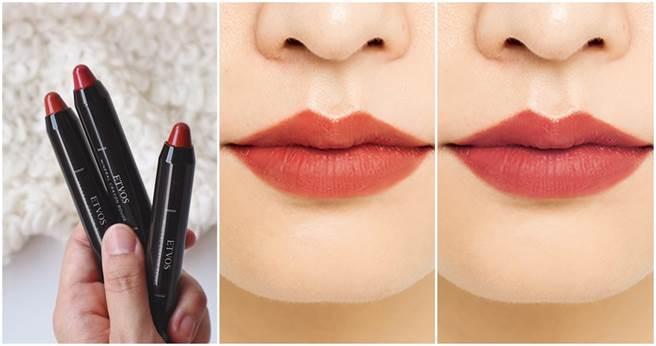 (中、右試色)今年最流行的楓葉紅和絲絨紅。(左)ETVOS絲絨霧感礦物唇筆(絲絨紅/秋葉紅/陶磚紅三色)/1280元