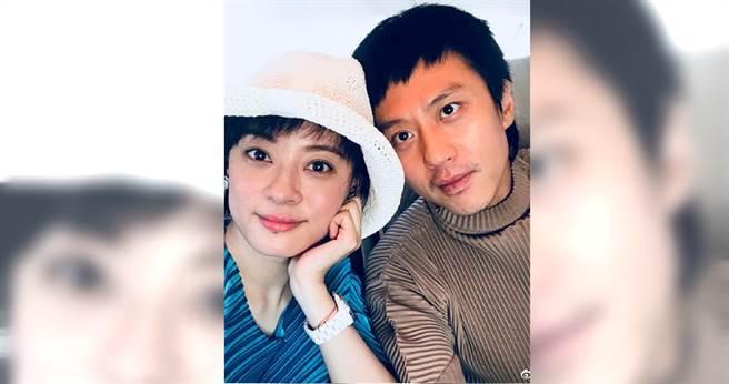 鄧超與孫儷結婚9年,育有一雙兒女,常常在網路上放閃,感情之好羨煞眾人。(翻攝自鄧超微博)