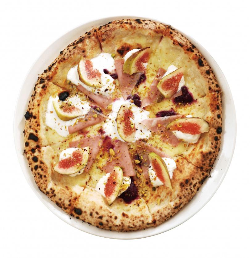 「粉紅熱情披薩」以新鮮無花果為主要配料,讓整體口感顯得香甜清雅。(340元/8吋,380元/10吋)(圖/于魯光攝)