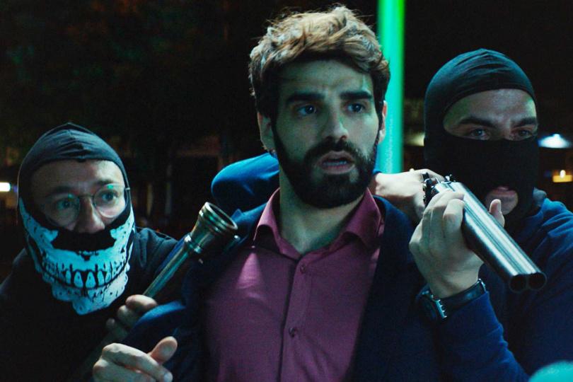 卡洛斯桑托斯(左起)、大衛貝爾塔格、埃內斯托塞維利亞在本片卯足全力搞笑演出。