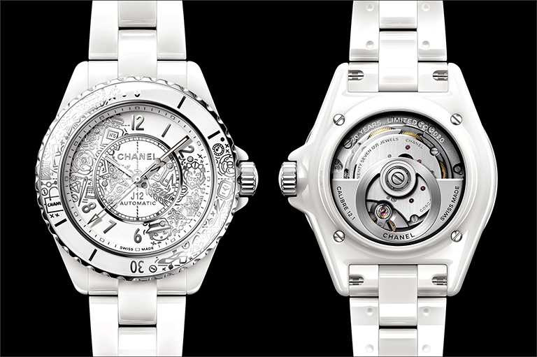 CHANEL「J12∙20」腕錶,白色抗磨精密陶瓷、精鋼錶殼,錶徑33mm,限量2,020只╱209,000元。(圖╱CHANEL提供)