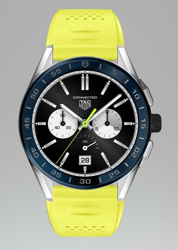 TAG HEUER「CONNECTED智能腕錶」夏季系列╱精鋼錶殼,螢光黃橡膠錶帶,海洋深藍色陶瓷錶圈,45mm╱58,900元。(圖╱TAG HEUER提供)
