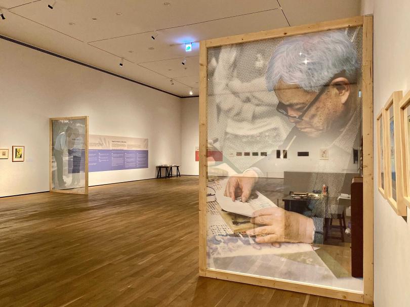 「手心的對話—潘元石雕版印刷教學特展」呈現藝術家創作與收藏的版畫、藏書票,與相關教學文獻和工具。