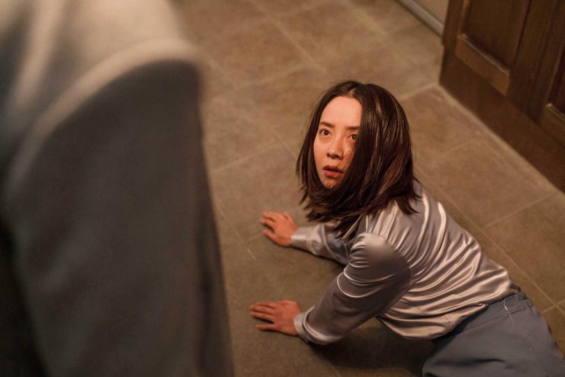 宋智孝出道作《斷魂梯》讓導演孫元平印象深刻,因此邀她演出《詭妹》,成功展現不為人知的一面。(圖/車庫娛樂提供)