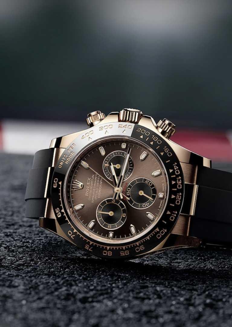 ROLEX「Oyster Perpetual CosmographDaytona」計時腕錶,18ct黃金鋼錶殼,40mm╱944,000元。(圖╱ROLEX提供)