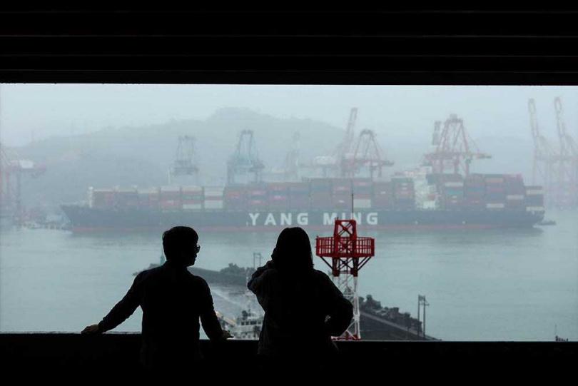 海大三創基地居高臨下,擁有眺望基隆港景色的絕佳視野。(圖/于魯光攝)