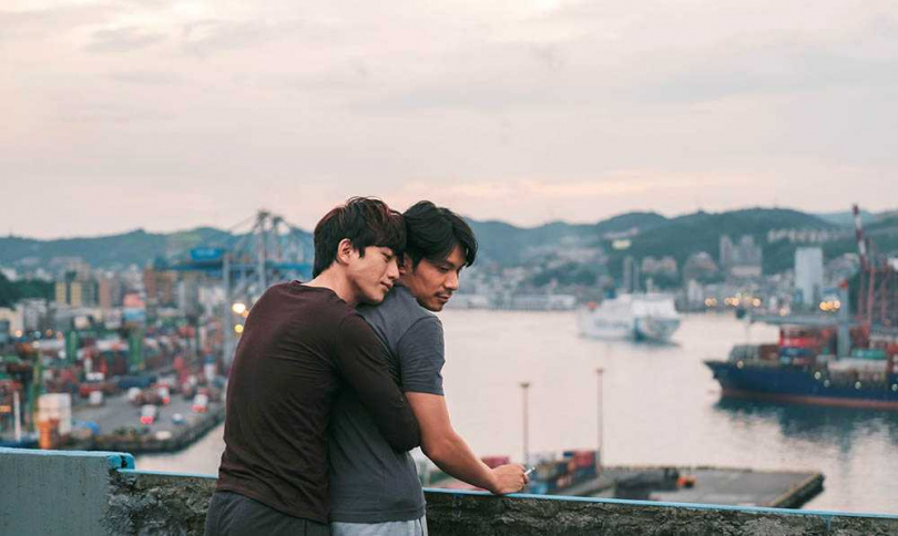 《親愛的房客》主角二人擁抱的經典一幕,就是在海大三創基地頂樓拍攝。(圖/牽猴子整合行銷提供)