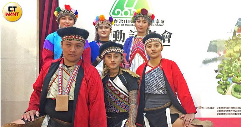 台灣脊梁山脈結合山水生態、原民文化等魅力,受到海內外遊客喜愛。(圖/楊麗雯攝)