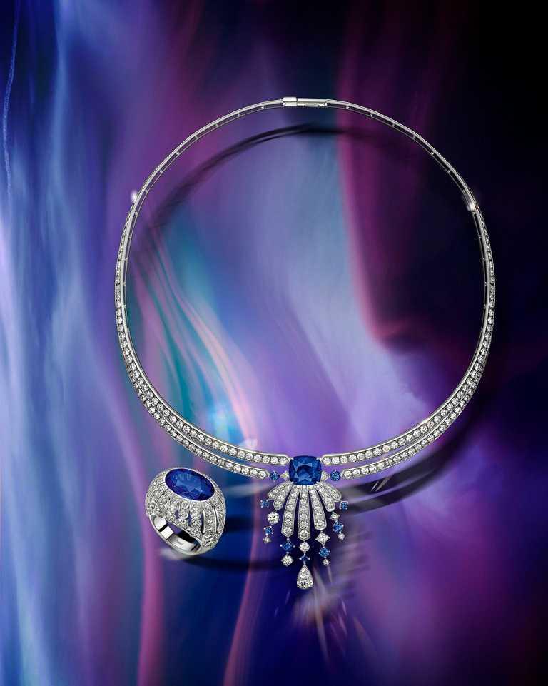 PIAGET「Golden Oasis」頂級珠寶系列╱Desert Minerals「鑽石面紗」藍寶石頂級珠寶鑽石項鍊╱21,600,000元;「鑽石面紗」藍寶石頂級珠寶鑽石戒指╱23,400,000元。(圖╱PIAGET提供)