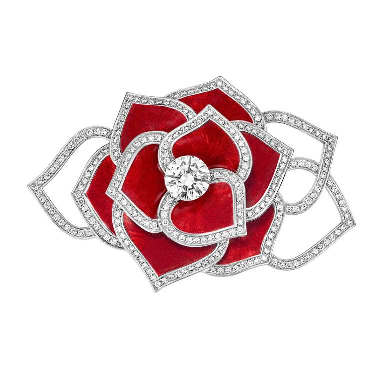 PIAGET「Rose Extraordinaire」系列╱內塡琺瑯工藝頂級珠寶鑽石胸針╱4,680,000元。(圖╱PIAGET提供)