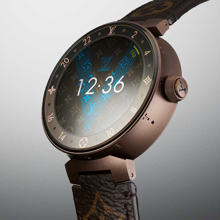 LOUIS VUITTON「Tambour Horizon智能腕錶」Monogram Brown啞啡色PVD飾面款,磨砂精鋼錶殼,42mm╱110,300元。(圖╱LOUIS VUITTON提供)