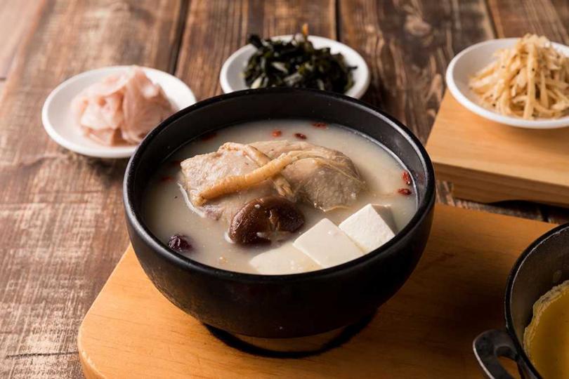 人蔘雞嫩豆腐煲。(圖/北村豆腐家提供)