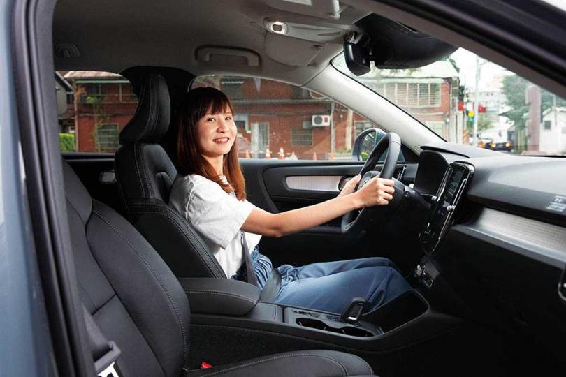 全車系的駕駛輔助都相當齊全,還配有自動停車等實用功能,自然深受女性歡迎。(圖/黃耀徵攝)