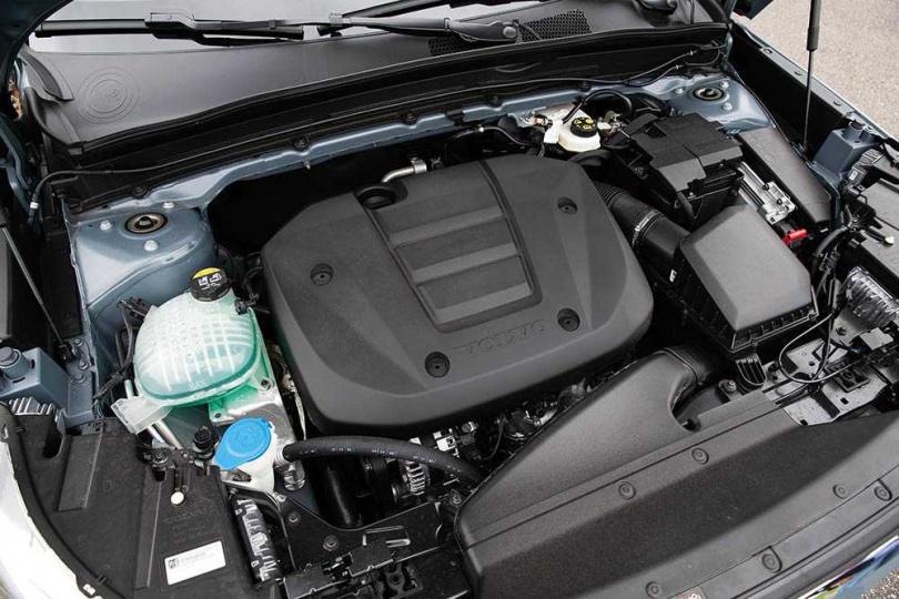 雖然採用3缸引擎,但原廠不僅減輕震動幅度,連運轉的聲音也下降不少。(圖/黃耀徵攝)
