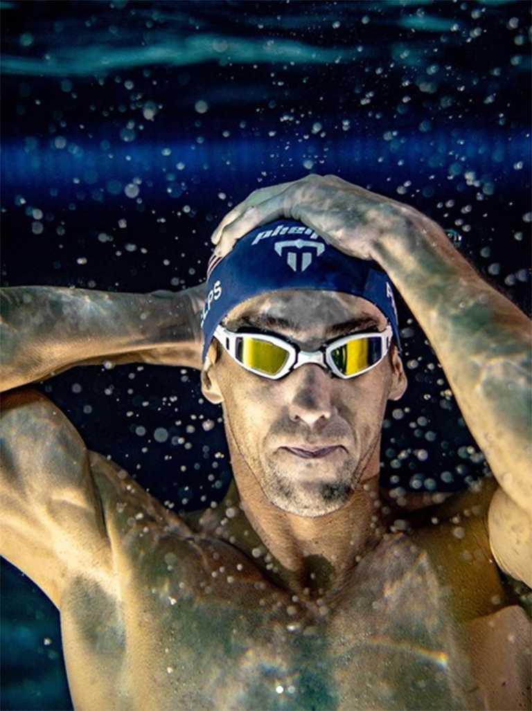 奧運金牌泳將「飛魚」麥可菲爾普斯的水底英姿,是全球體育迷心中永遠銘記的美好畫面。(圖╱翻攝自IG@m_phelps00)