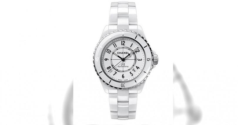 CHANELJ12 White錶殼:陶瓷材質/錶徑38mm機芯:Caliber 12.1手動上鍊/儲能72小時/天文台認證功能:大三針/日期防水:200米定價:185,000元