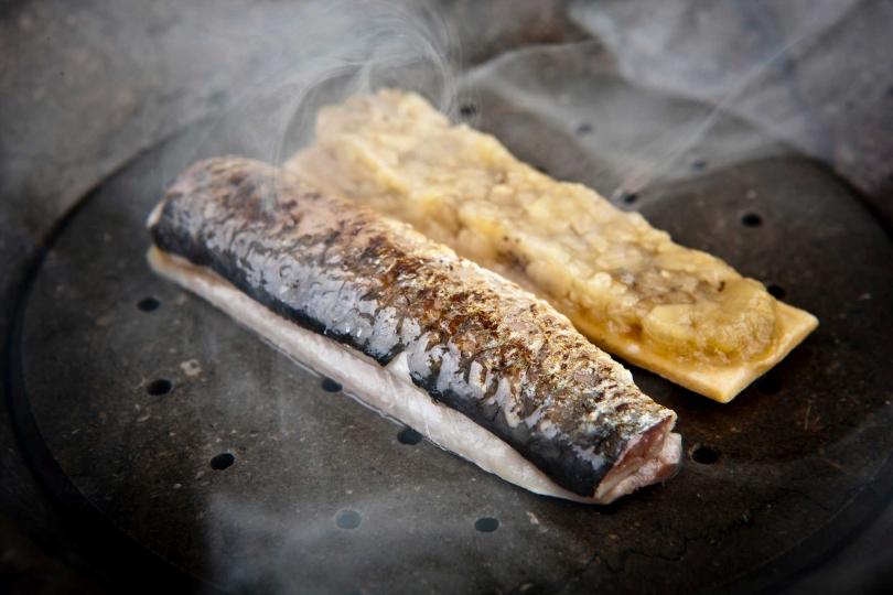 炭烤沙丁魚茄子餡。(圖/鹽之華提供)