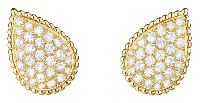 BOUCHERON「Serpent Bohème」系列,黃金鑲嵌鑽石耳環╱893,000元。(圖╱BOUCHERON提供)