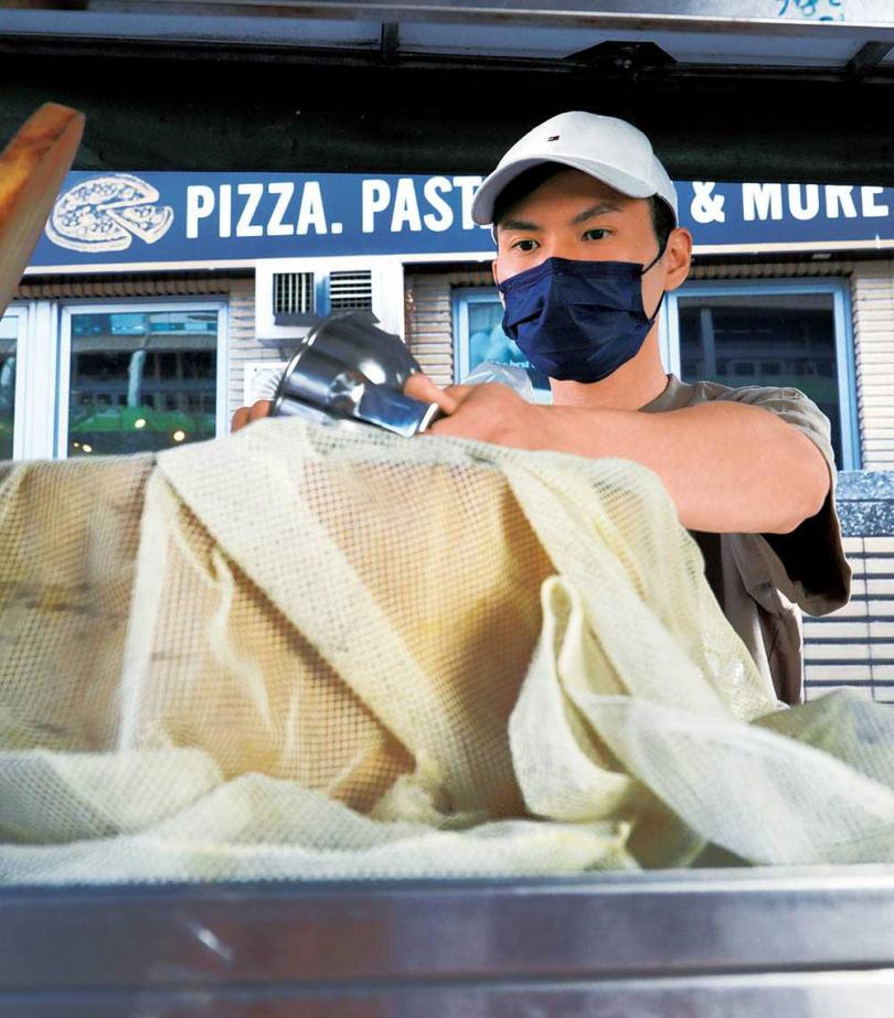 老闆王世竹的夢想是開一家屬於自己的早午餐店,餐車是他實現夢想的第一步。(圖/于魯光攝)