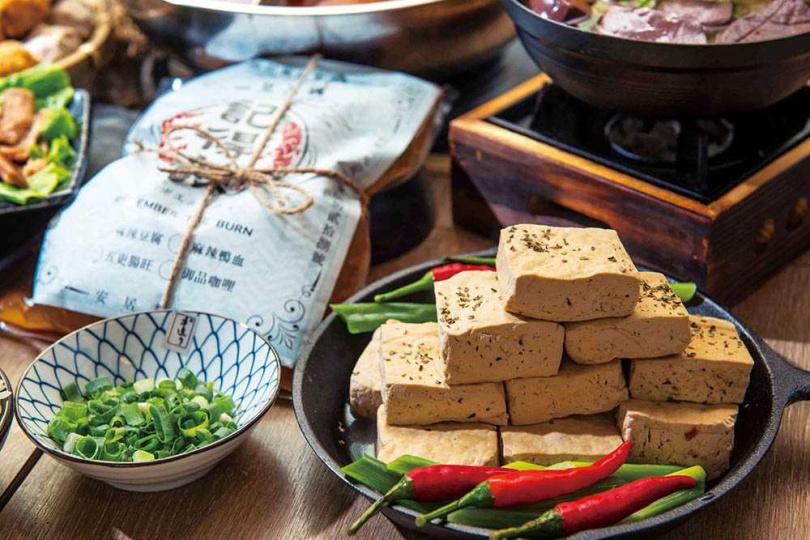 「記得辣」麻辣豆腐湯底包。(原價369元/中辣含湯+底料,Pinkoi)