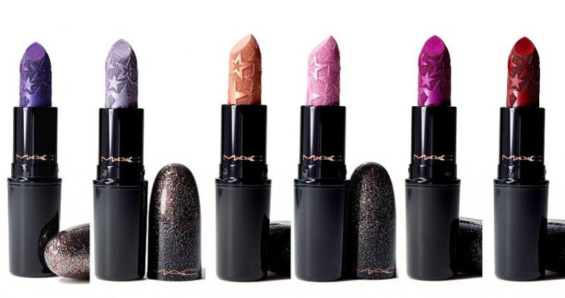 <左起>M.A.C閃耀星塵聖誕彩妝時尚專業唇膏 #Asterisk、#DestinedForStardom、#GoldStar、#KissOfStars、#Starstruck、# WalkOfFlame 3g/850元 仔細看還會發現6個色選中每個膏體的星星壓紋也有所差異,相當細心。(圖/品牌提供)