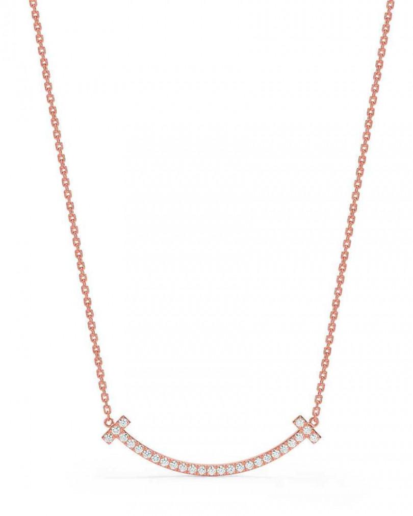 《梨泰院Class》劇中佩戴款,TIFFANY & CO.「Tiffany T Smile」18K玫瑰金鑲鑽項鍊(中型)╱159,000元。(圖╱TIFFANY & CO.提供)
