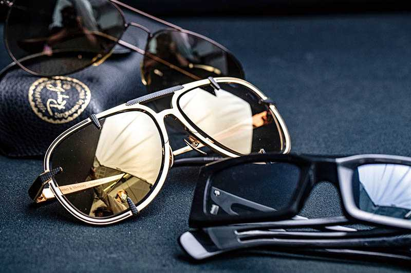 Karl Lagerfeld For H&M墨鏡/已絕版(下)、Frency & Mercury墨鏡/約18,000元(中)、RAY BAN墨鏡/12,000元(上)。 (圖/莊立人攝)