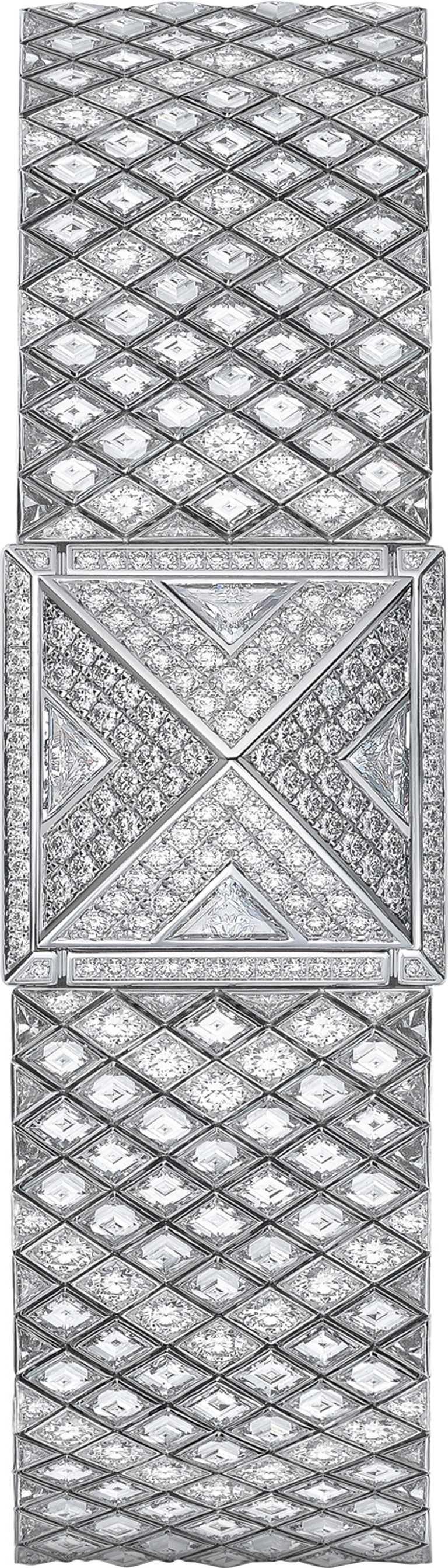 HERMÈS「MÉDOR Haute Joaillerie」頂級珠寶腕錶,750白金錶殼,瑞士製石英機芯,18.4mm,鑽石835顆,僅接受訂製╱價格店洽。(圖╱HERMÈS提供)