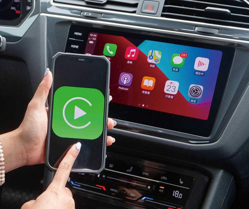 中控台為9.2吋MIB 3多媒體資訊系統,除了支援手勢控制功能外,還可無線連接Apple CarPlay。(圖/黃耀徵攝)